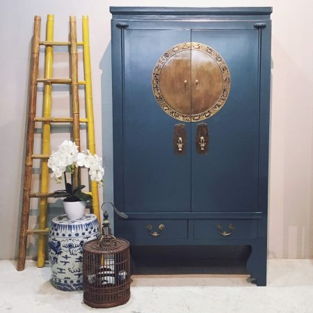 WC-DECOB: Wooden wedding cabinet in a cleanly finished dark blue, one of our latest colours