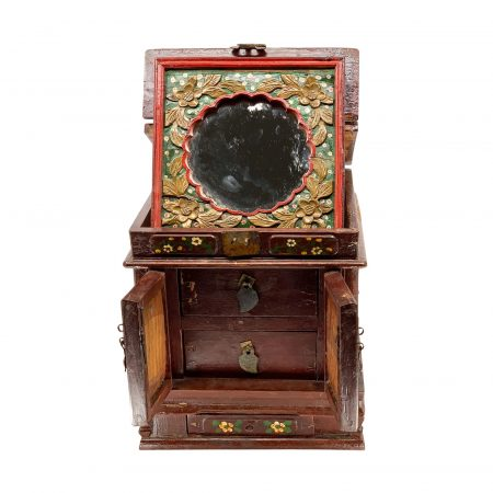 Chinese antique make up box